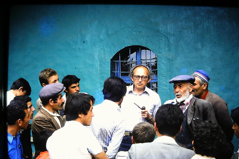 Cyril Mango speaking to villagers outside the mosque at Yürme, July 1979; photo by Michael Whitby.